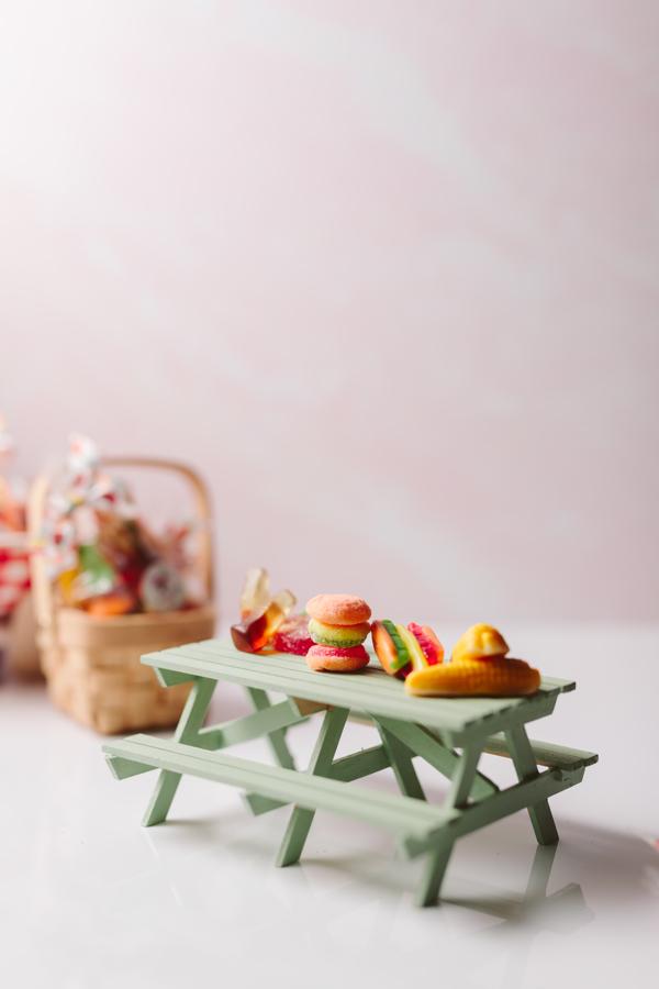 Mini food gummies picnic