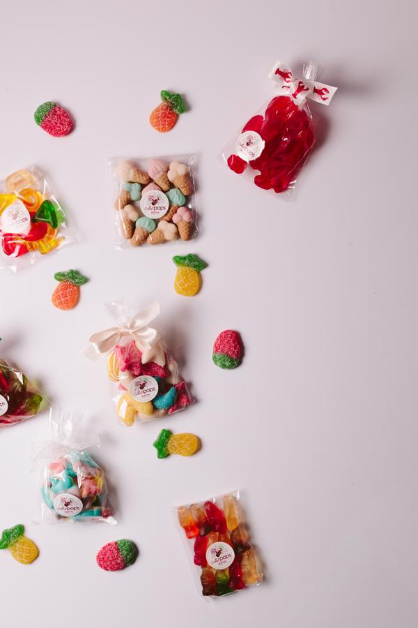 Sweet and sour gummy arrangement